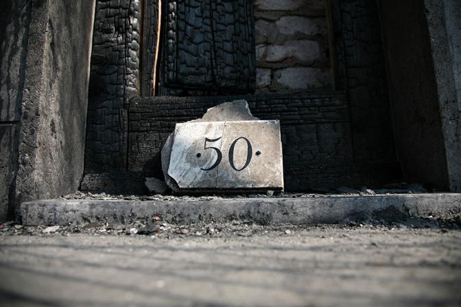Una Viareggio dissolta e sospesa, tre mesi dopo la strage del treno. Le foto di Stefano Morelli ora in mostra