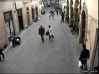 La passeggiata dopo l 39 accoltellamento corrierefiorentino - Come sapere se un messaggio e stato letto ...