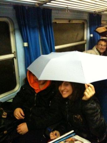 La foto di un lettore si riferisce a un episodio simile avvenuto tempo fa sulla linea ferroviaria Faentina