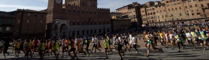 Ultimo giorno utile per approfittare del costo bloccato di iscrizione alle Terre di Siena Ultra Marathon. Cinquanta chilometri di emozioni lungo la via Francigena nelle terre senesi, partendo dalle Torri di San Gimignano, attraversando Colle Val d'Elsa, Monteriggioni, fino ad arrivare nella medioevale piazza del Campo a Siena. Alla Ultra il 2 marzo si affiancheranno le gare intermedie di 32 km e 18 km da Colle Val d'Elsa e Monteriggioni verso Siena. E la passeggiata non competitiva per le vie del centro storico della città del Palio.