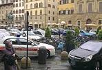 Scuola di polizia - Piazza signoria ieri pomeriggio è stata invasa per un giorno da macchine della polizia municipale: si teneva un  corso dei vigili a Palazzo Vecchio tenuto dalla vice comandate Manzione