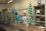 «Non chiudete la mensa» - Presidio contro la chiusura della mensa ferroviaria in via Dolfi