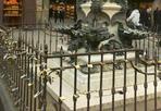 Sono tornati i lucchetti - L'amore va oltre le regole. E così, nonostante rimozioni e multe minacciate,  su Ponte Vecchio sono tornati di nuovo i lucchetti dell'amore (Foto di Mauro Bonciani)