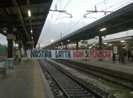 Pisa, denuncia per i tifosi che hanno occupato i binari della stazione