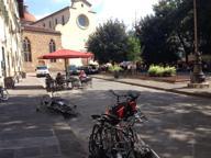 Oltrarno, via le bici dai monumenti