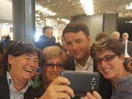 Blitz di Renzi alla Fortezza Selfie e una dedica speciale