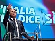 Referendum, Renzi lancia da Firenze la campagna per il «Sì» alle riforme