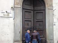 Firenze, tentano di sfondare il portone del liceo Galileo