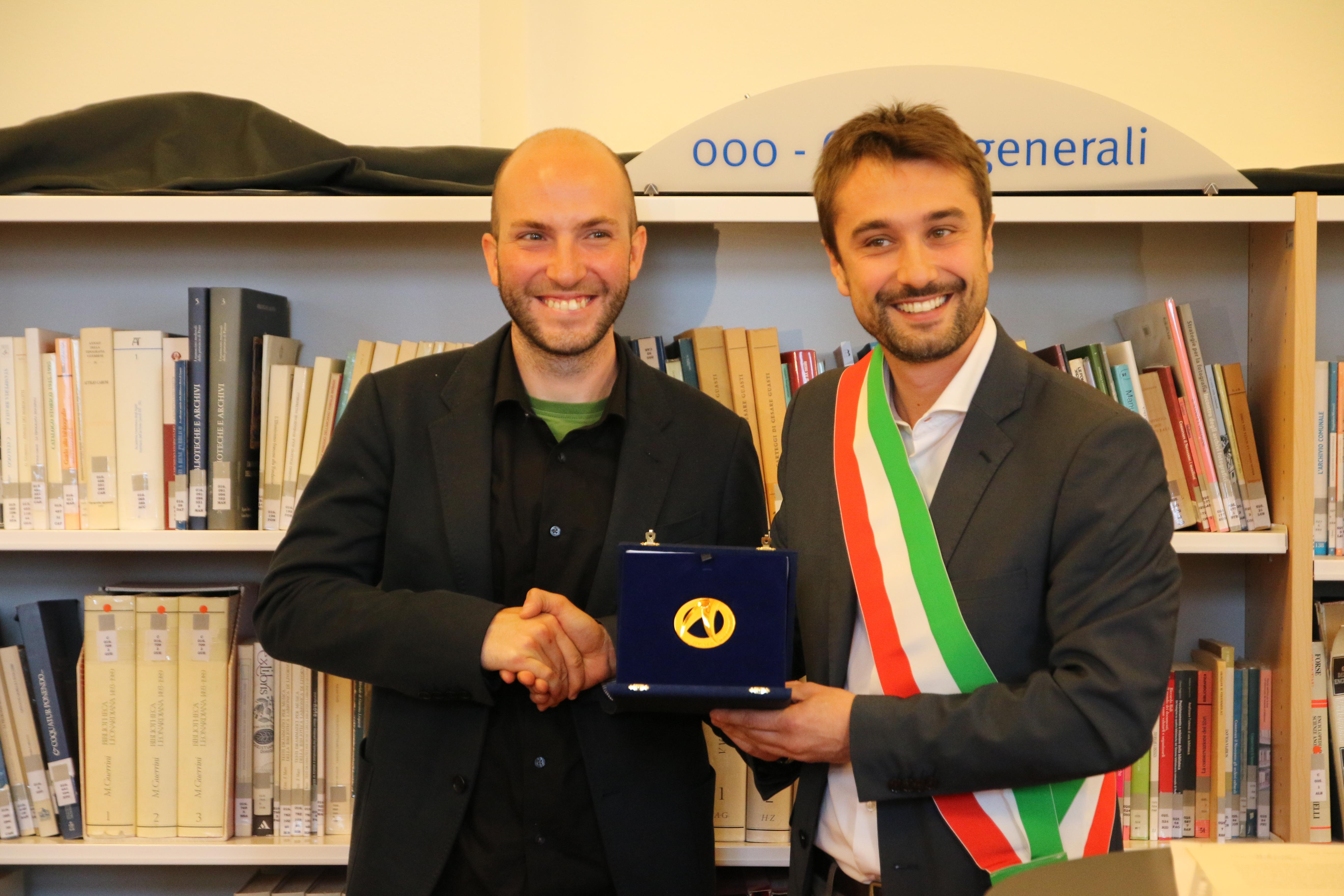 Sesto, Niccolò Campriani riceve le Seste d'Oro