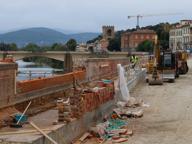 Firenze, la corsa per riaprire il lungarno per i 50 anni dell'Alluvione