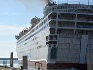 Livorno, bimbo si sente male sul traghetto: nave inverte la rotta