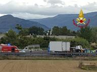 Scontro tra auto e tir sull'A11 Coda di 5 km in direzione Firenze