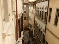 Firenze, in via Lambertesca gli ultimi fiorentini di una strada in affitto