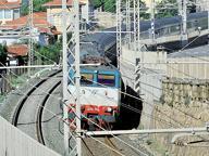 Trovato cadavere lungo la ferrovia a Firenze