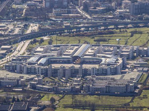 Renzi inaugura la nuova Scuola Marescialli a Castello