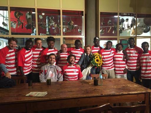 Fiorentini e migranti insieme Nasce Teatro del Sale Football Club