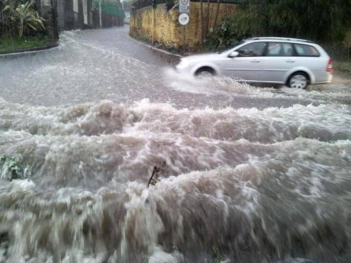 Maltempo, forti piogge a Livorno Allagamenti e molti disagi