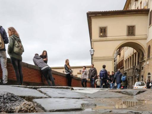 Firenze, il lungarno riapre (ma solo per un po')